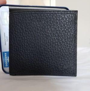 Men's Genuine Leather Dockers Hipster Wallet